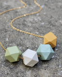SHORT GEOMETRIC WOOD NECKLACE VA415 - Sylvie and Shimmy