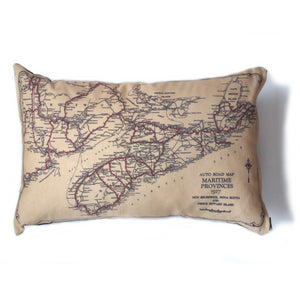 Made in Canada linen pillow case with hand printed vintage road map of the Canadian maritime Provinces Nova Scotia, New Brunswick and PEI.
