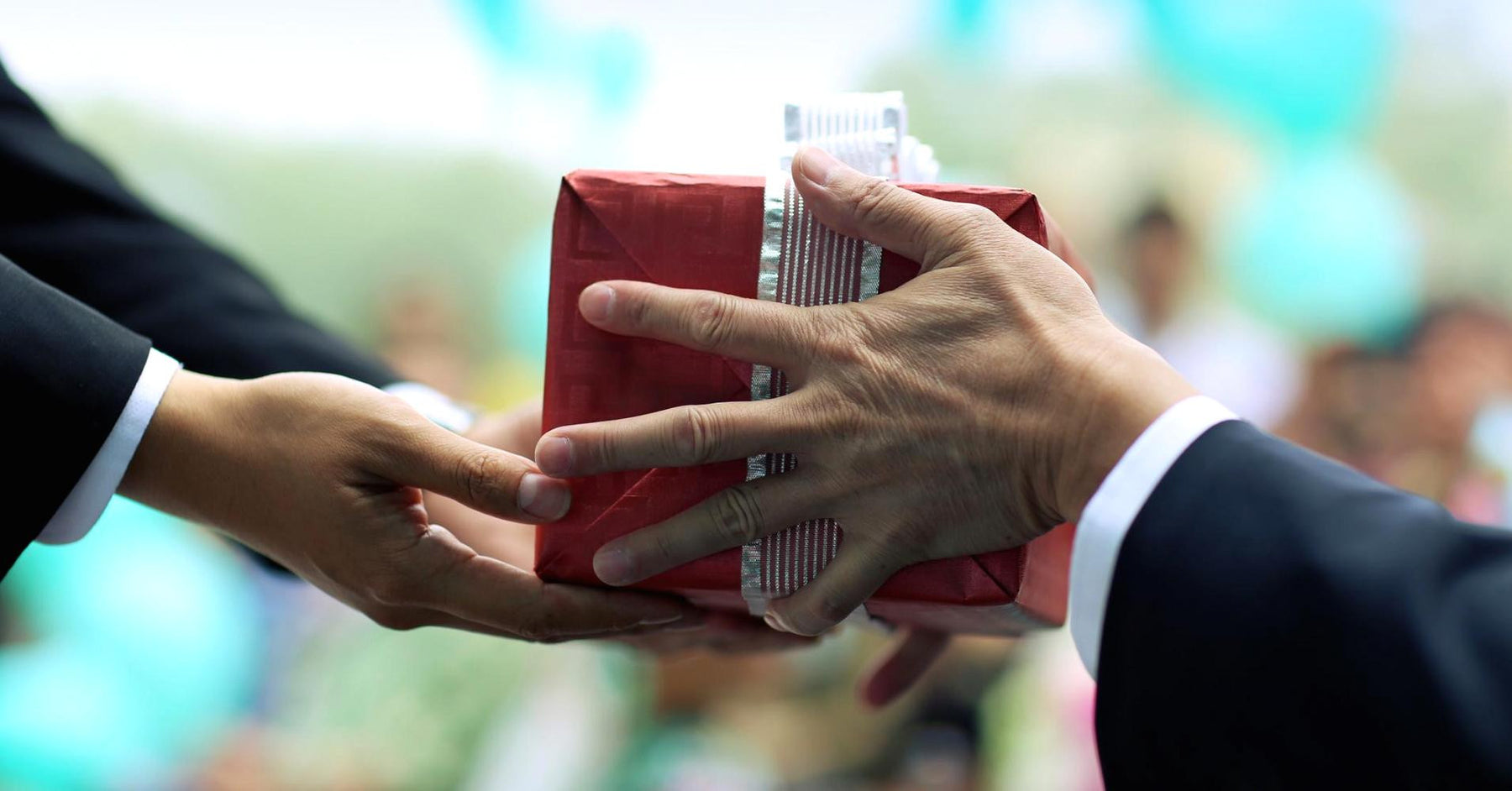 5 Tips to Making Your Business's Christmas Gift Giving More Effective