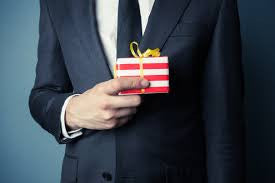 I Gift Therefore I Am – A Philosophy of Corporate Gift Giving at Christmas