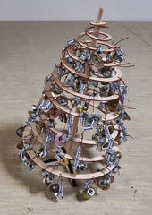 How to Decorate a Spira Wooden Christmas Tree