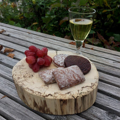 Gingerbread World Blog: Wine Pairings with Lebkuchen and Marzipan. Lebkuchen with grapes and wine