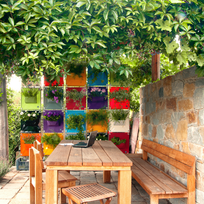 Blooming Walls Canada The Green Pockets Hanging Planters brightly coloured privacy wall
