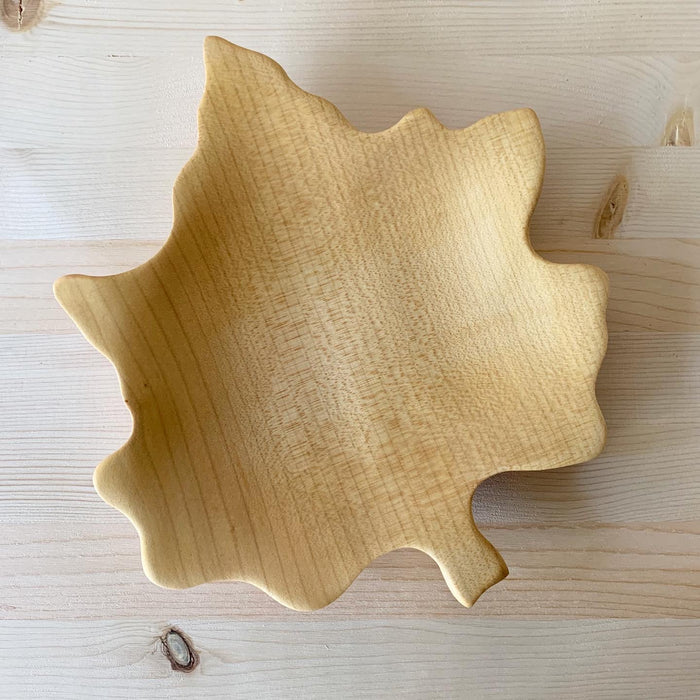 Waldfabrik Maple Leaf shaped wooden platter W5144