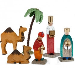 Nativity Scene handcrafted in Germany by Günter Reichel Kunstgewerbliche Holzwaren.