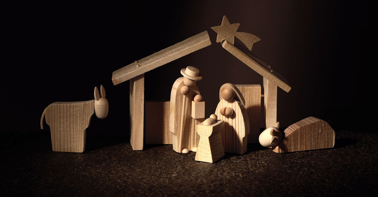 Gingerbread World Christkindlmarkt-online - Günter Reichel Natural Wood Nativity Scene - Holy Family w/ Stable and Animals