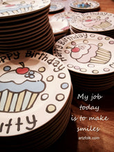 "Load image into Gallery viewer, Personalized Birthday Plate 7"" Classic Style Ceramic handmade by Artzfolk"