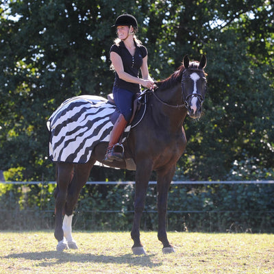 Manta Caballo Bucas Riding Rug Zebra 1