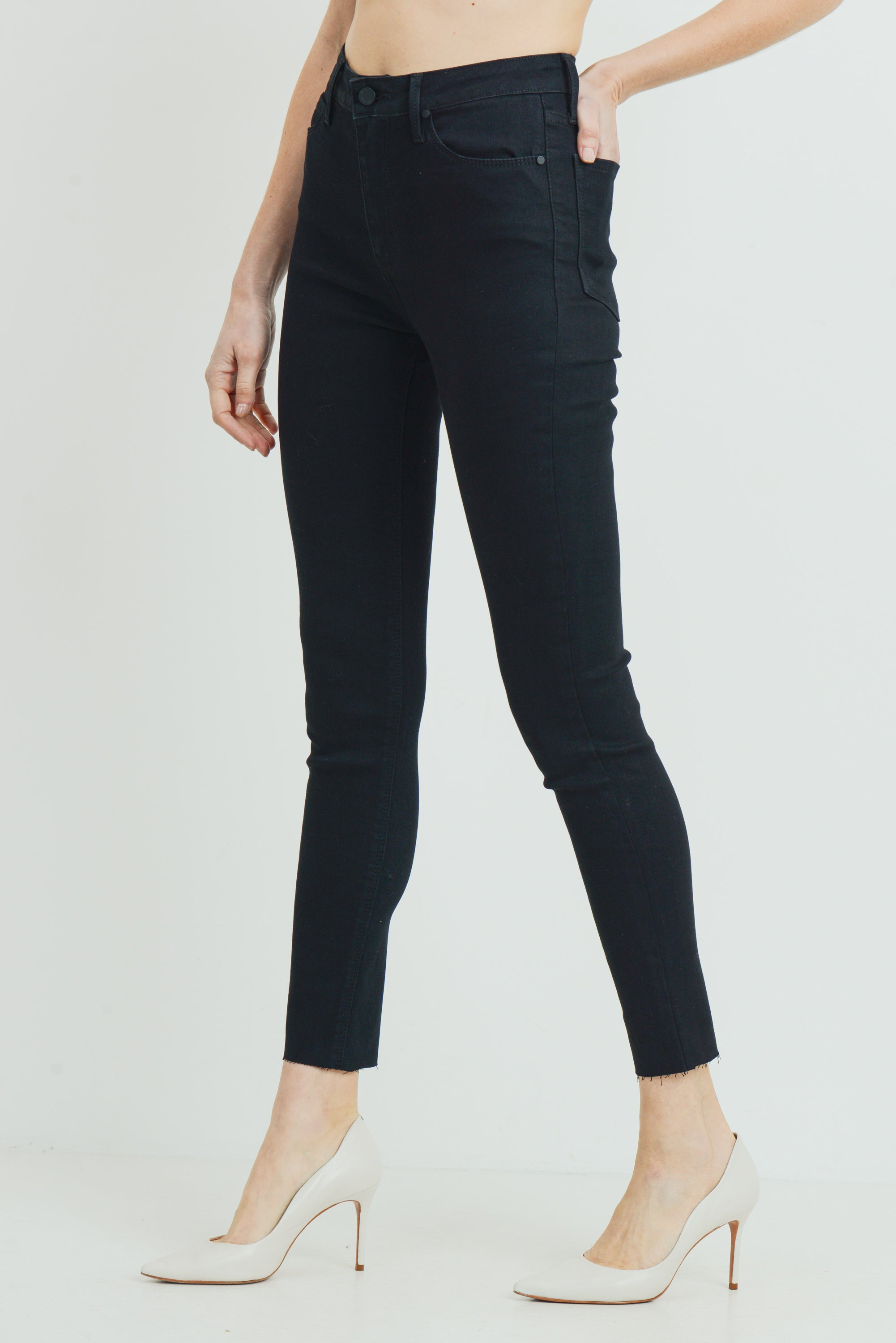 High Rise Scissor Cut Skinny, Black