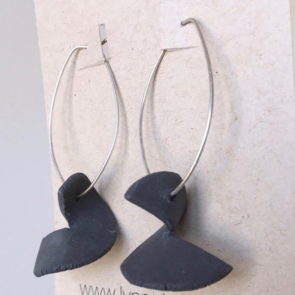 Lynne Tan Porcelain Earrings Black Torn