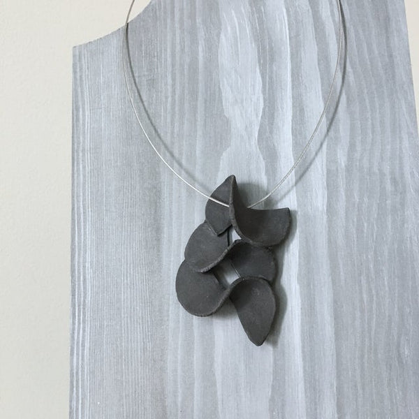 Lynne Tan - Porcelain Wire Necklace - 3S Charcoal Gray