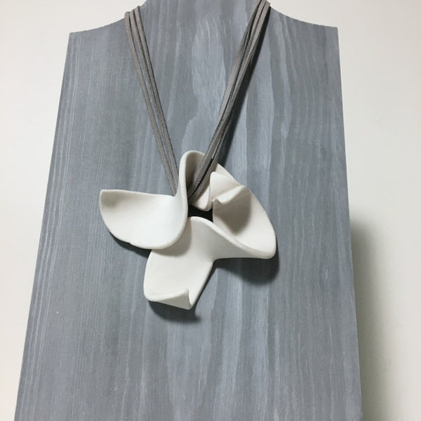 Lynne Tan - Porcelain Necklace - Mirrored S