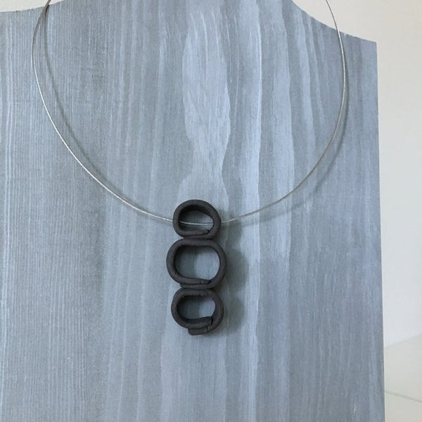 Lynne Tan - Porcelain Wire Necklace 3 circles in Charcoal Gray