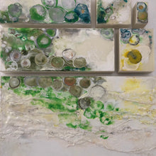 Afbeelding in Gallery-weergave laden, SIX PANEL 135|70 |MOVING DOTS| GREEN I ENCAUSTIC