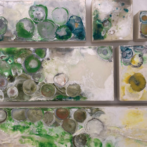 SIX PANEL 135|70 |MOVING DOTS| GREEN I ENCAUSTIC