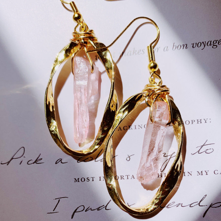 Known for its soft and sweet feminine qualities, Rose Quartz carries the energy of unconditional love, self-acceptance, and serenity. Paired with the gold twist hoop, this earring is perfect for any day that needs a bit of love.