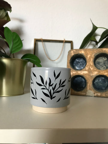 Vines Pot Small - Grey