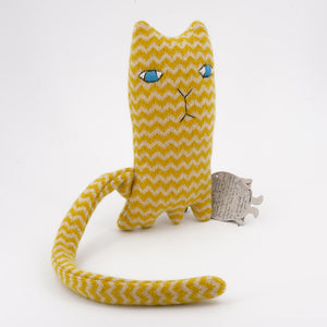 Ziggy-cat-toy-by-donna-wilson-made-from-lambs-wool