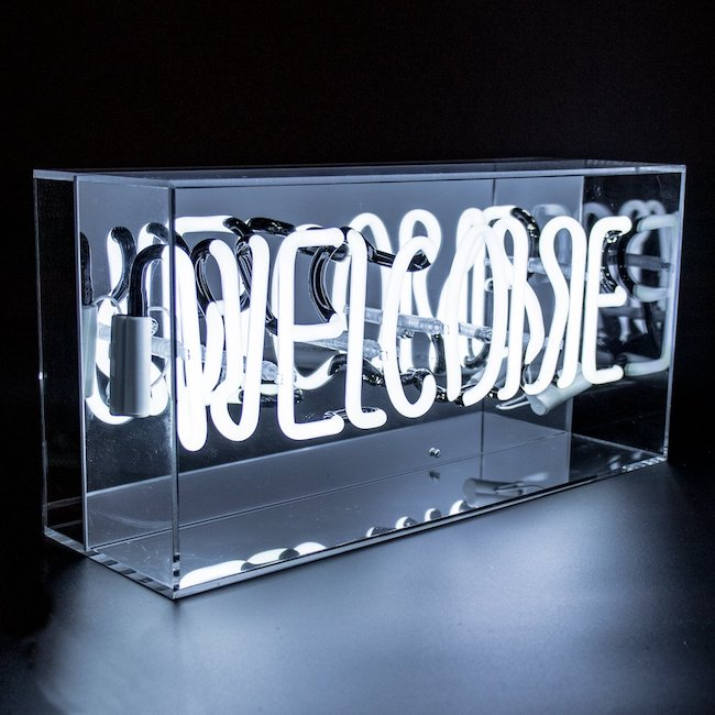 welcome-neon-box-light-locomocean