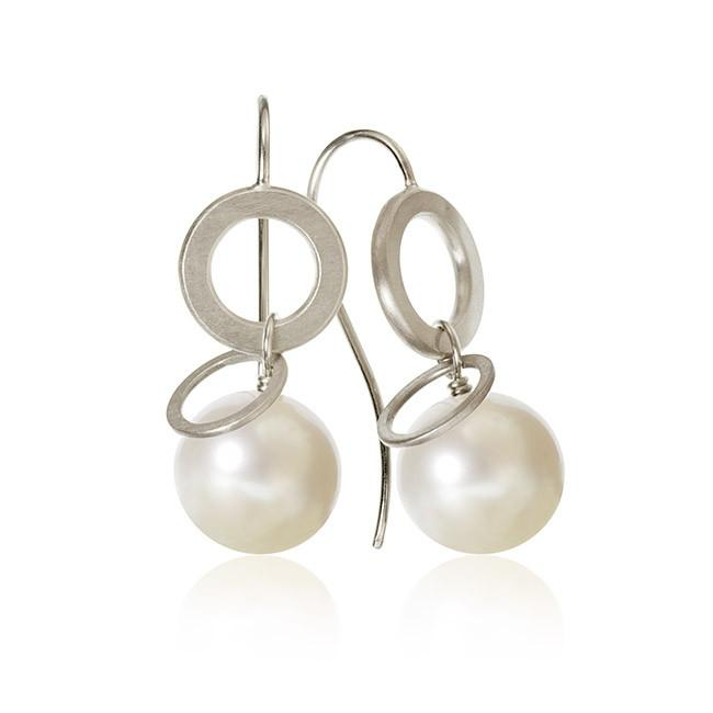 Anello Pearl earrings. With freshwater pearls.