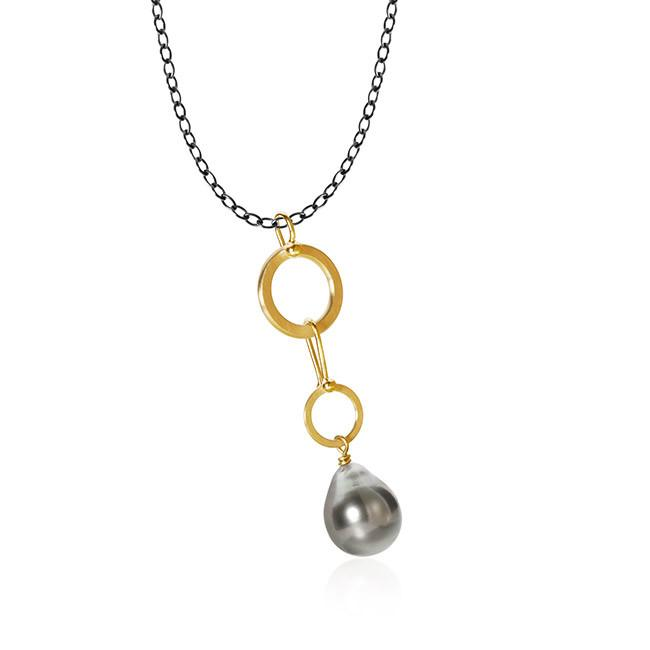 Anello pearl necklace. Small, with Tahitian pearls and stream chain, 74 cm.