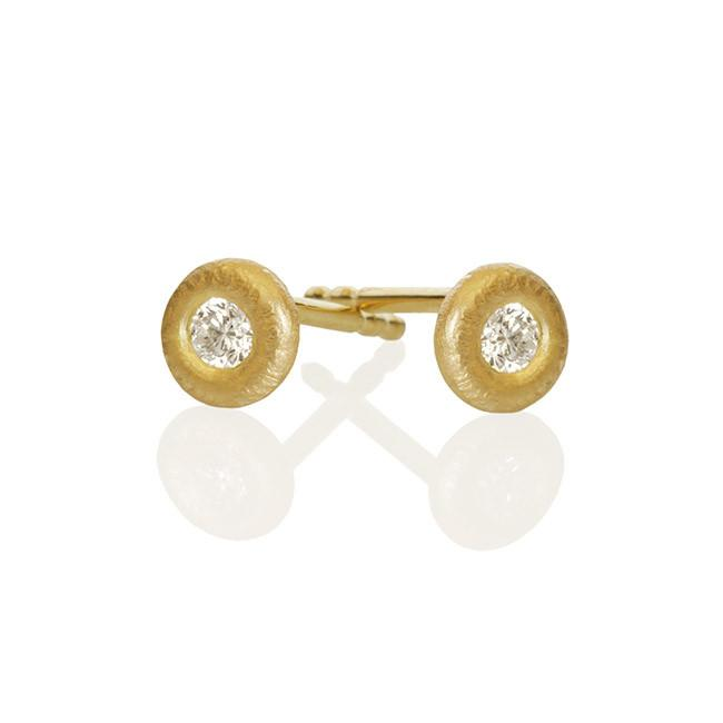 Glory earrings. Mini, with 2 brilliant cut diamonds. Total 0,08 ct. F/G, vs, Ex. cut.