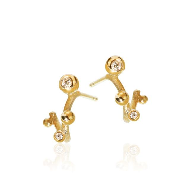 Delphis earrings. With 4 brilliant cut diamonds. Total 0,05 ct. F/G, vs, Ex. cut.