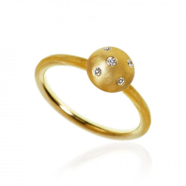 Mushroom ring. Medium Top, with 5 brilliant cut diamonds. Total 0,07 ct. F/G, vs, Ex. cut.