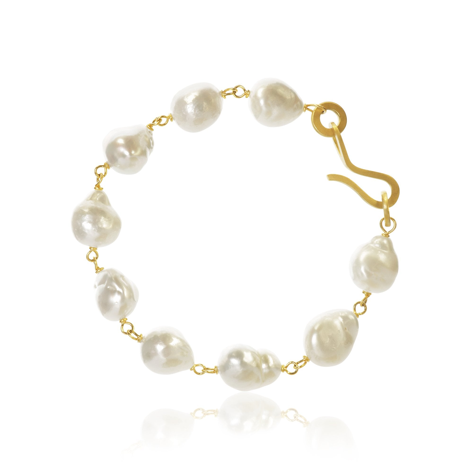 Grand Ocean pearl bracelet. With baroque South Sea pearls.