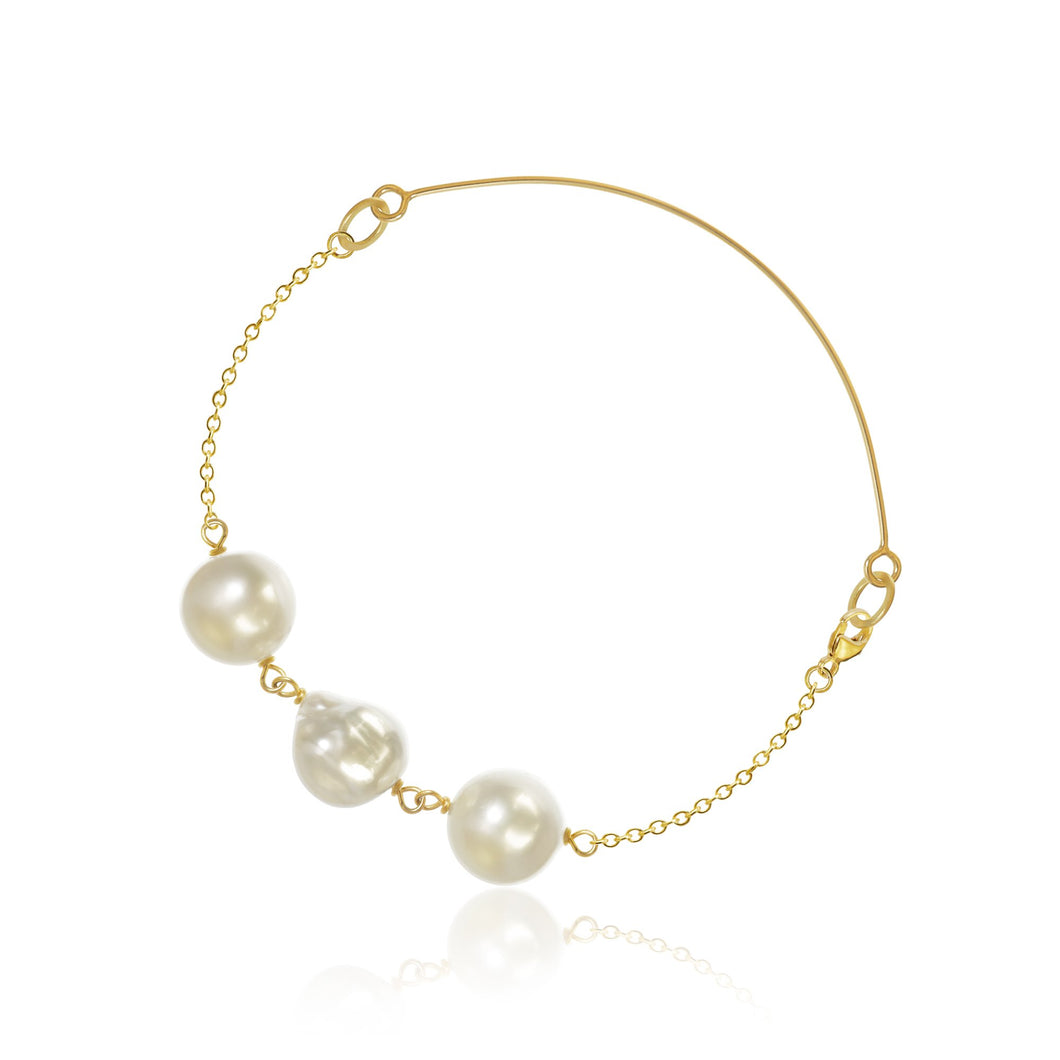 Ocean pearl bracelet. With baroque South Sea pearls.