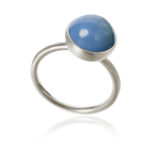 Pacific ring. Large top, with blue opal.