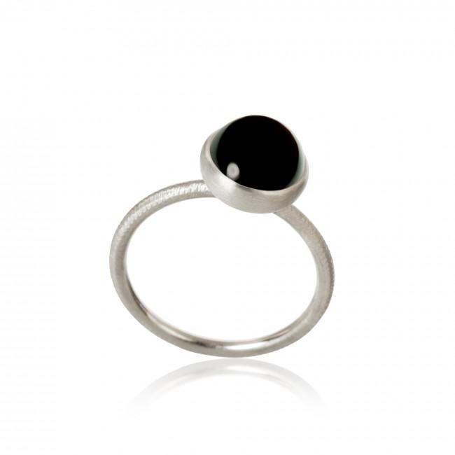 Pacific ring. Small top, with spinel.