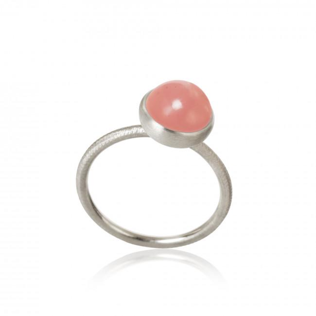Pacific ring. Small top, with guava quartz.