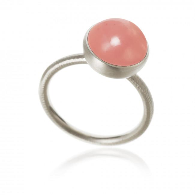 Pacific ring. Large top, with guava quartz.