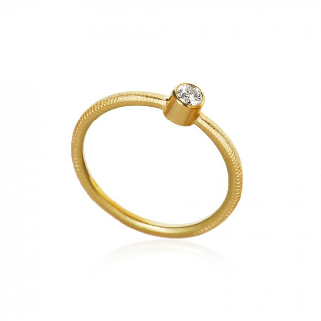 Twinkle ring. With 1 brilliant cut diamond. Total 0,13 ct. F/G, vs2.
