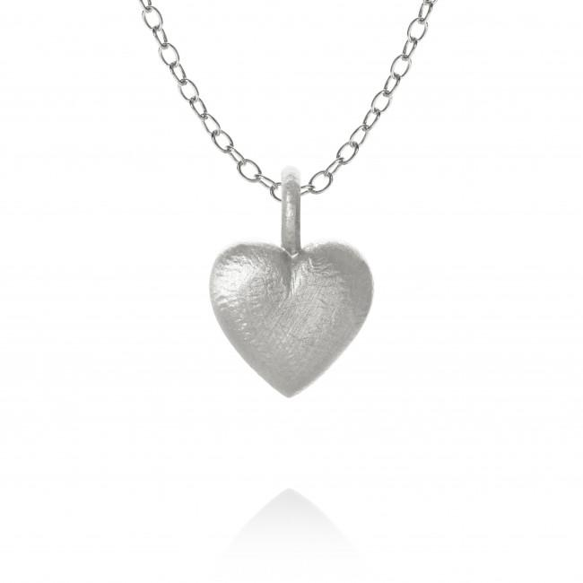 Heart necklace. On stream chain, 47 cm.