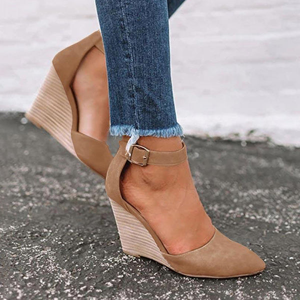 Kakimoda Pointed Toe Wedge Pumps Ankle Strap Heels