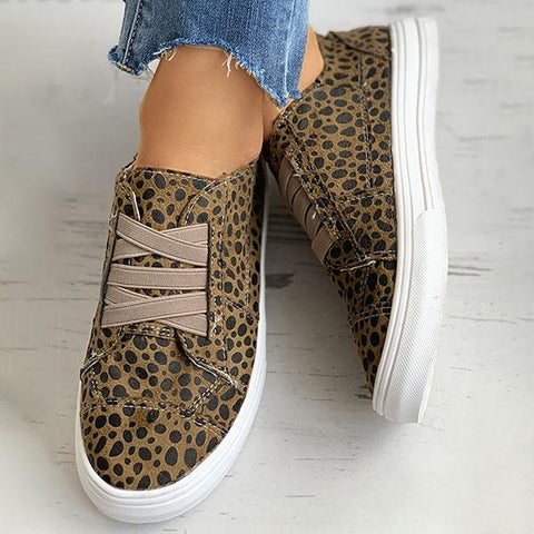 Kakimoda Cheetah Solid Lace-Up Casual Sneakers