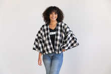 Load image into Gallery viewer, Shrug sweater - Buffalo Check