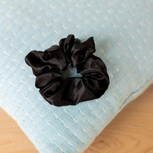 Load image into Gallery viewer, SATIN BEAUTY SCRUNCHIE