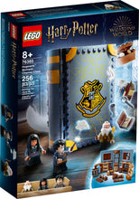 Load image into Gallery viewer, LEGO® Harry Potter™ Hogwarts™ Moment: Charms Class - 76385