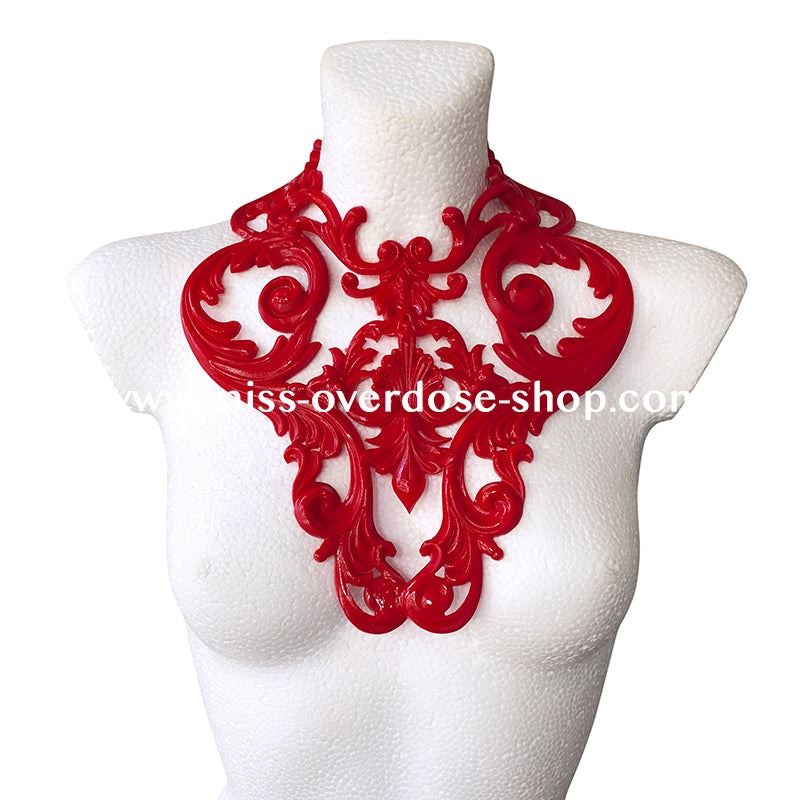 L'Amour latex collar