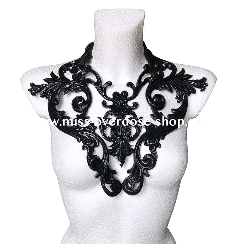 Mystical latex collar