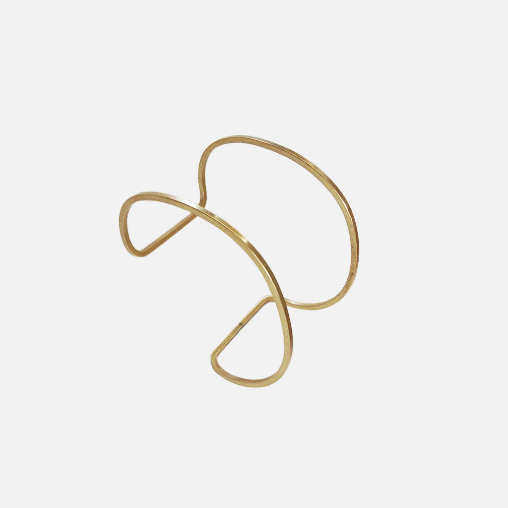 ACCESSORIES // BRASS WIRE CUFF