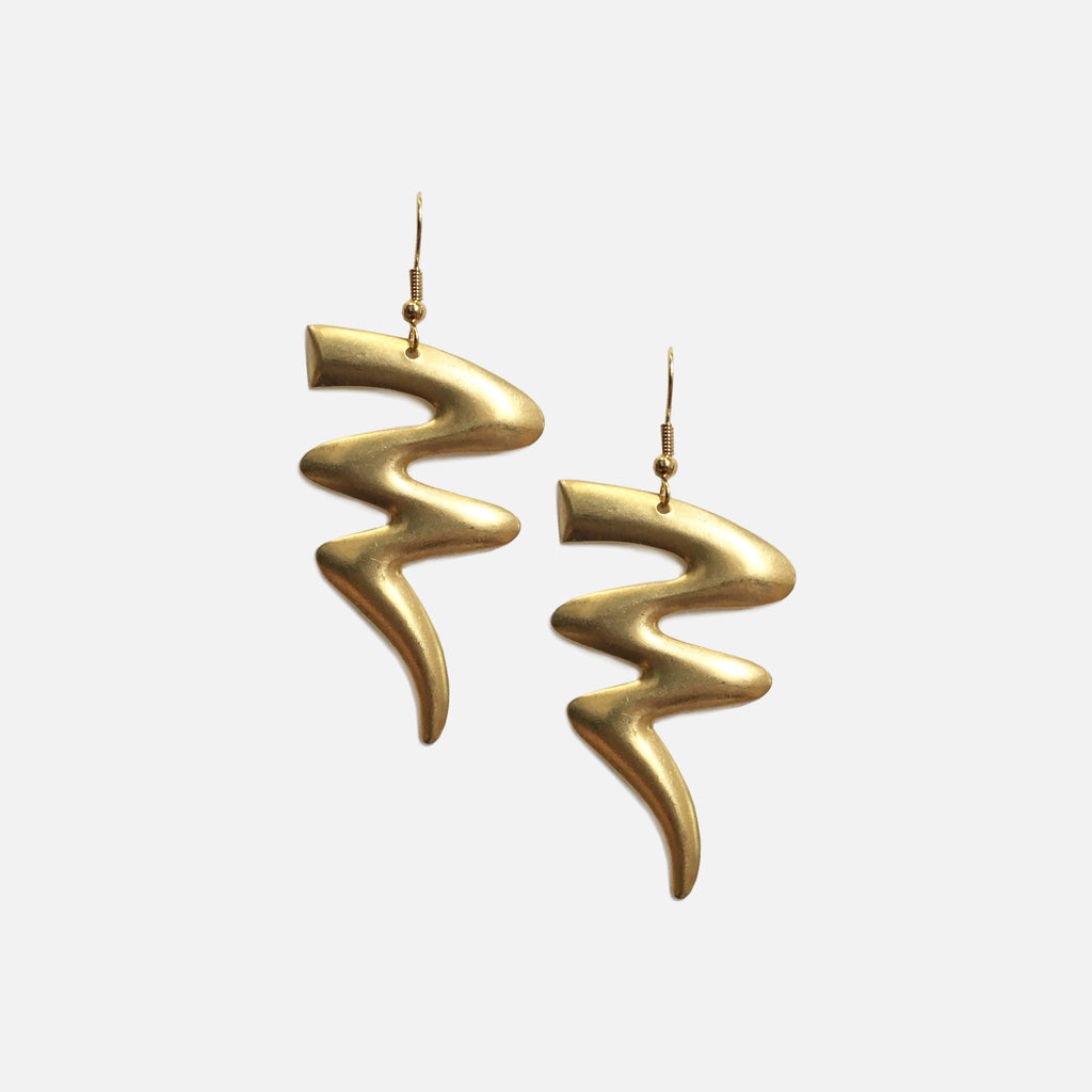ACCESSORIES // BRASS ZIG ZAG EARRINGS