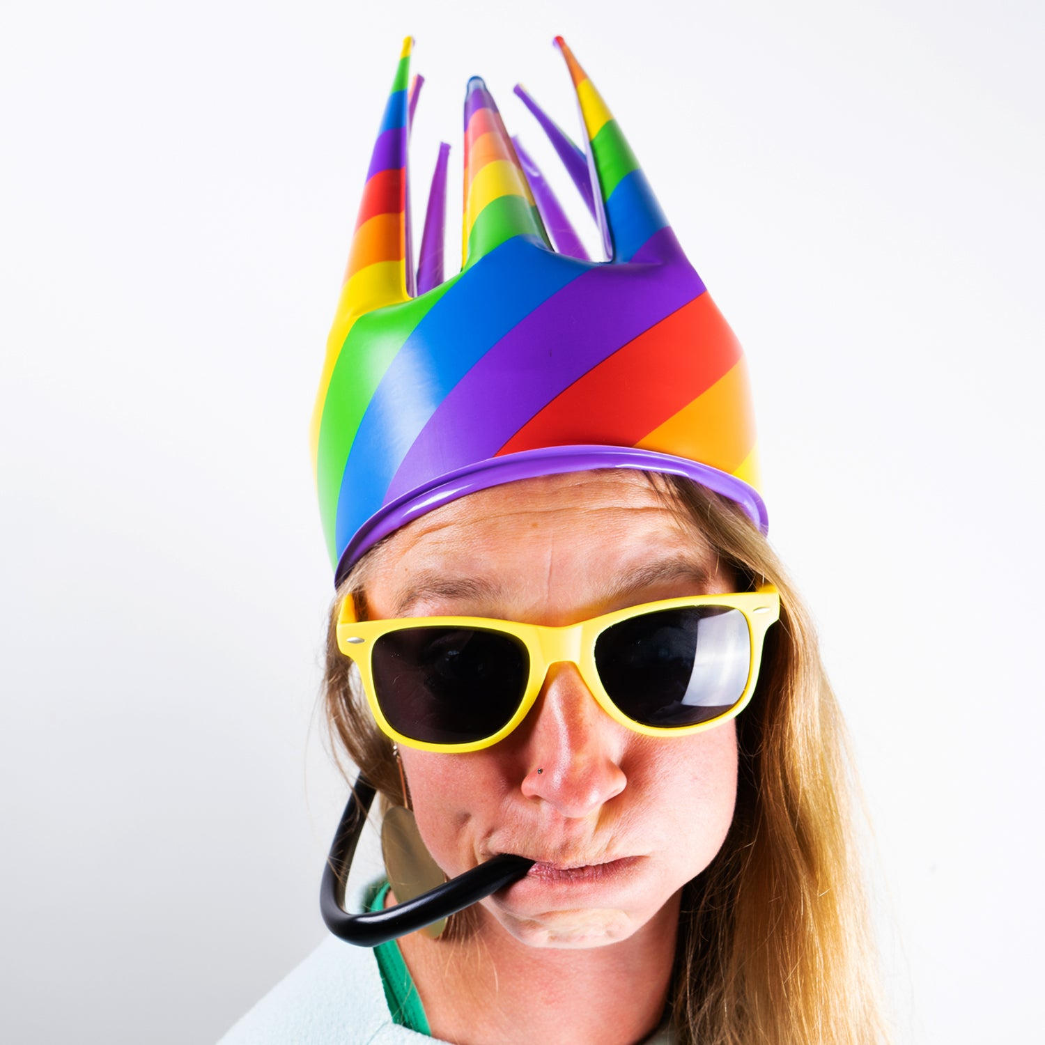 Rainbow Trötenkrone® - The Party Blower Crown