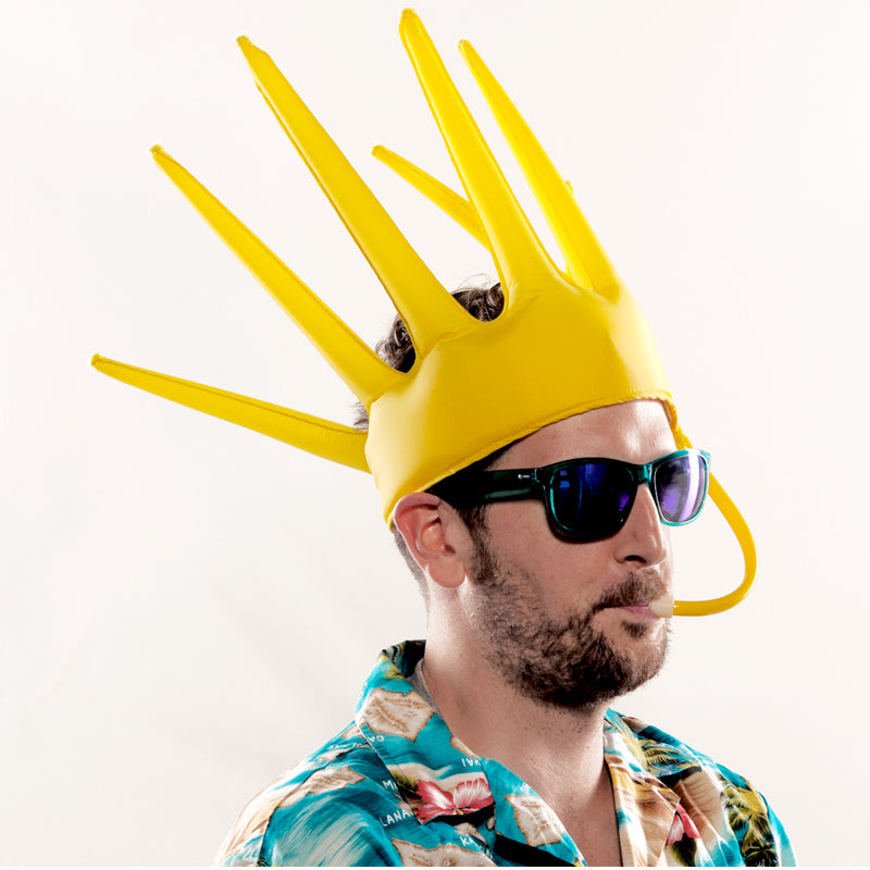 The Trötenkrone or Party Blower Crown is the ultimate Fan Hat, the perfect Party Hat which creates a Sound. The funniest Accessoire you've seen so far.