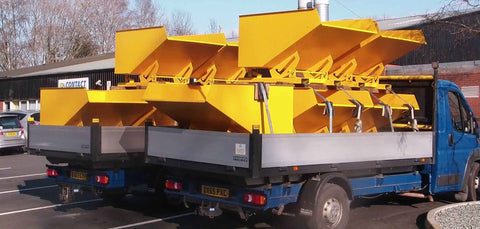 Delivery of tipping skips