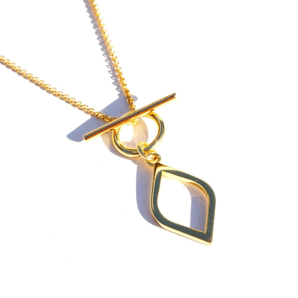 Cora Toggle Necklace - Delicora Jewelry