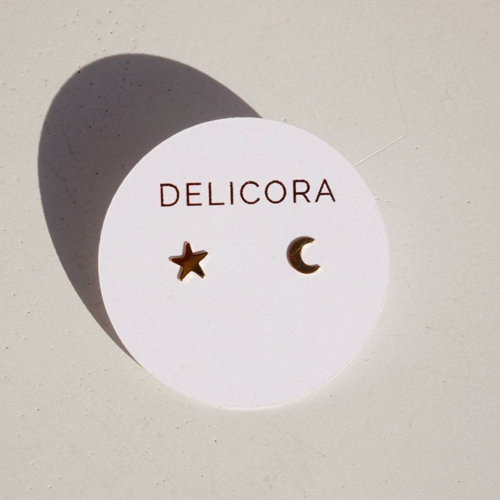 Moon & Star Stud Earrings - Delicora Jewelry